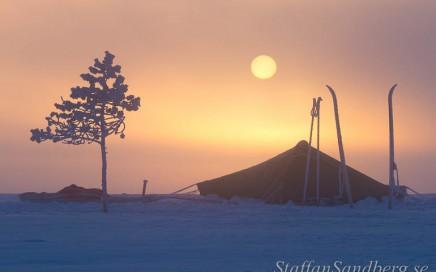 Tält i soluppgång