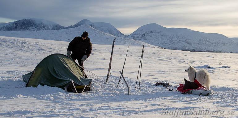 Ihoppackning av läger