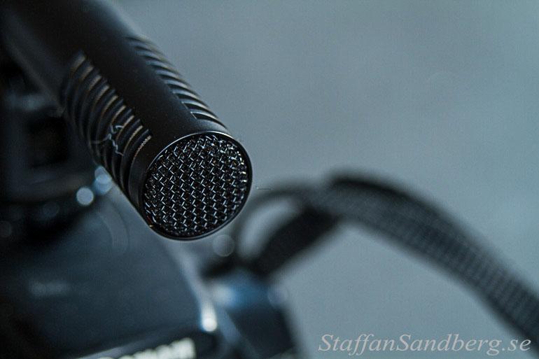 Mikrofon monterad på systemkamera