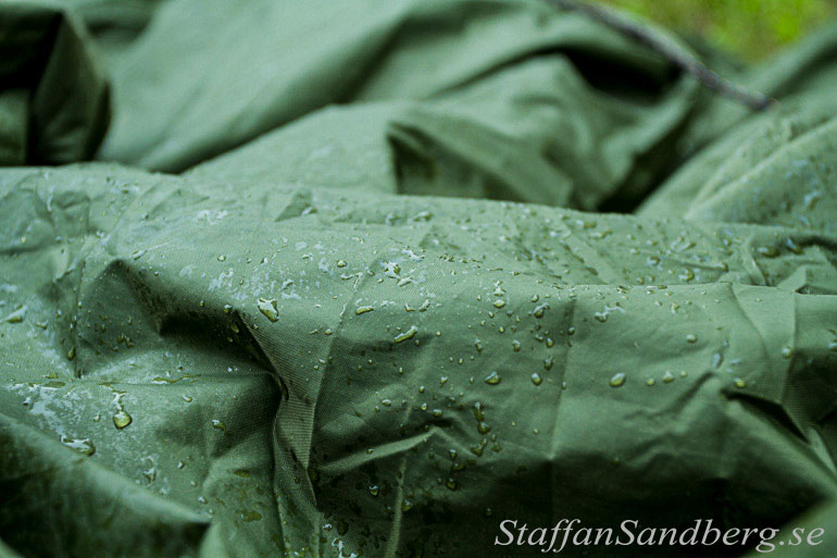 Tarp med regndroppar